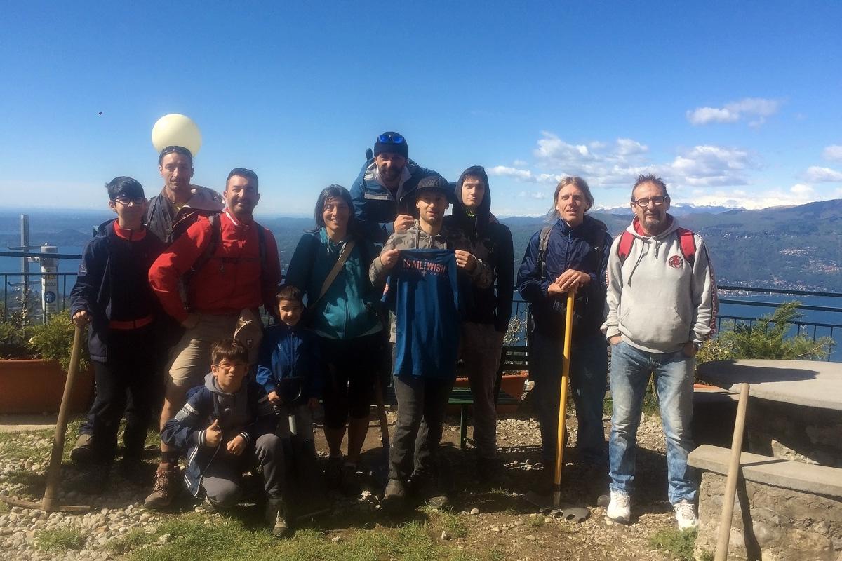 gruppo di volontari per la manutenzione dei sentieri a laveno mombello