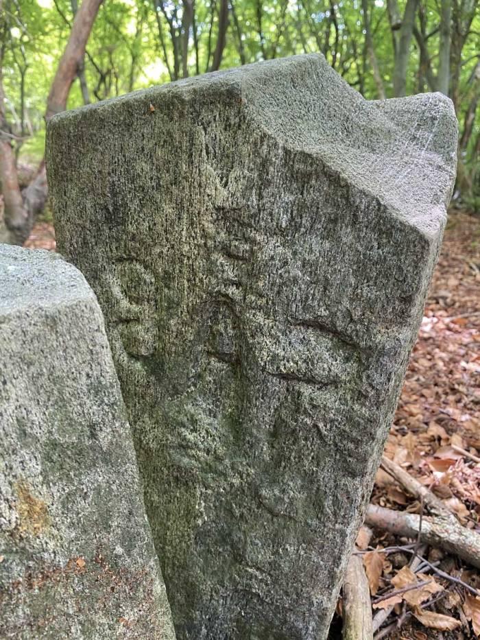 un cippo romano ovvero una pietra miliare